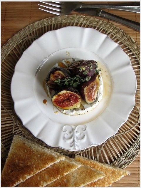 Zapečený hermelín s fíky a medem............. http://www.food4fun.sk/?food=1&id=319/