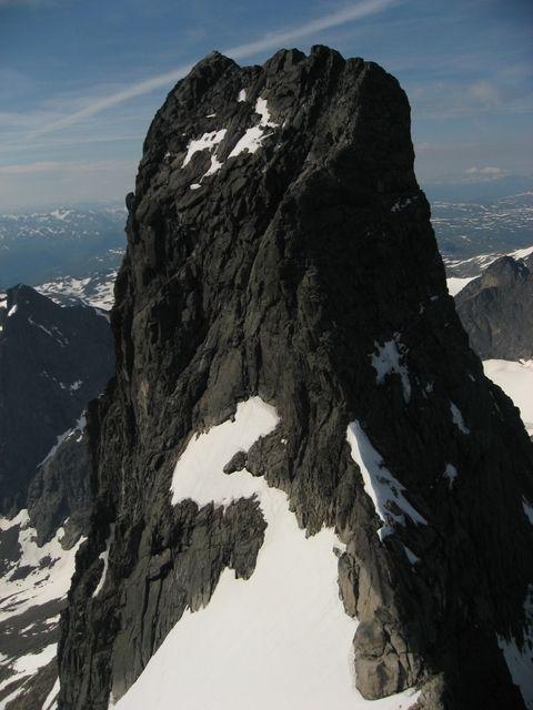 Store Skagadølstind 2405 moh