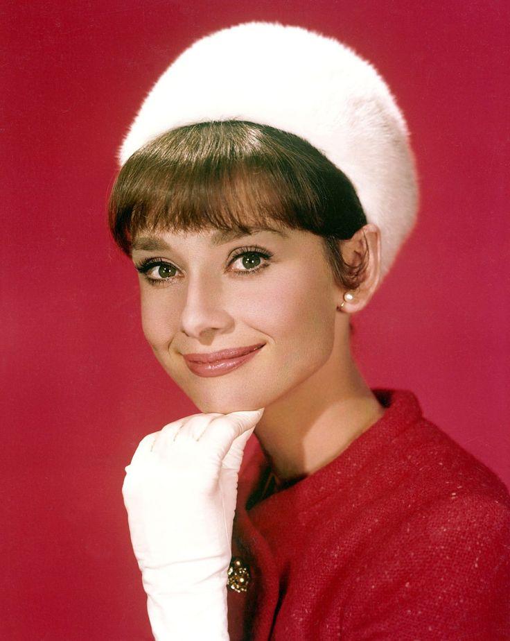The actress Audrey Hepburn photographed by Vincent Rossell at the Studios de Boulogne, located on Avenue Jean-Baptiste-Clément, in Boulogne-Billancourt, a French commune in the Hauts-de-Seine départment, region of Île-de-France, in the western...