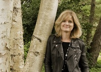Author Suzanne Selfors
