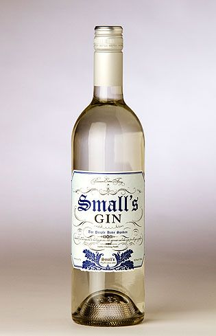 Small's Gin. 43 % ABV. Classic. Distillation: Pot Distilled in a Prulho 10 hectoliter alambic copper still; only the heart of hearts (the very best portion of the distillate) is retained for this bottling. Botanicals: Juniper, orange peel, lemon peel, coriander seeds, cardamom pods, angelica root, caraway, star anise, and Fresh Oregon raspberries.