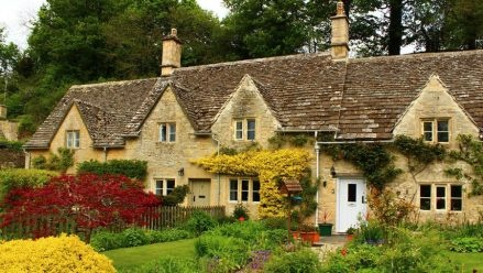 Bibury Open Gardens -  Bibury will have an open garden day on Sunday 26th May 2013, 2 - 5:30pm. Nine beautiful gardens will be open for you to browse. The village hall is also offering tea, coffee and homemade cakes!