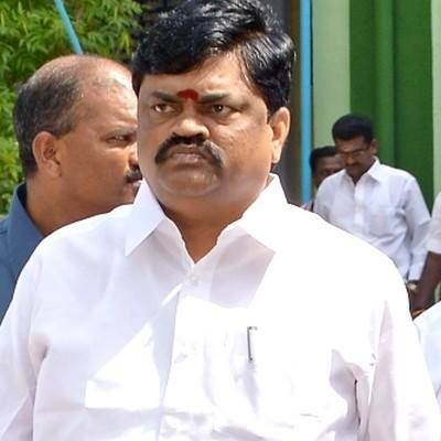 Minister Rajendra Balaji warns the private diaries if contamination is confirmed in their milk production their factory will be sealed. #NewsUpdates #ChennaiUngalKaiyil.