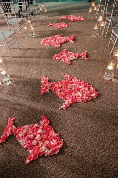 Fish flowers line the aisle