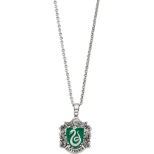 Harry Potter Slytherin Crest Pendant Necklace (130 PEN) ❤ liked on Polyvore featuring jewelry, necklaces, silver, oxidised jewellery, oxidised jewelry, chain necklaces, chain pendants and chain jewelry
