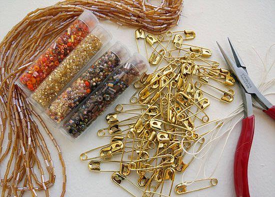 Bracelet en épingles de sûreté