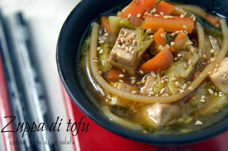 Zuppa di tofu. Tofu soup