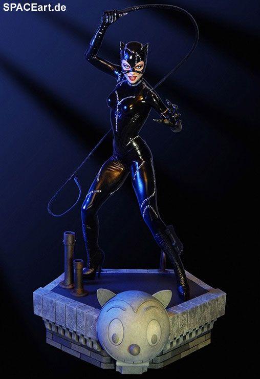 Die beste Catwoman, die es je in einem Film gab, war ja wohl ganz klar die von Michelle Pfeiffer ... oder seht Ihr das anders? Wie präsentieren wir Euch nun eine entsprechenden Statue: http://spaceart.de/produkte/bm033.php ... Wer bei Verfügbarkeit eine Nachricht von uns bekommen möchte, möge sich bei uns eintragen lassen.
