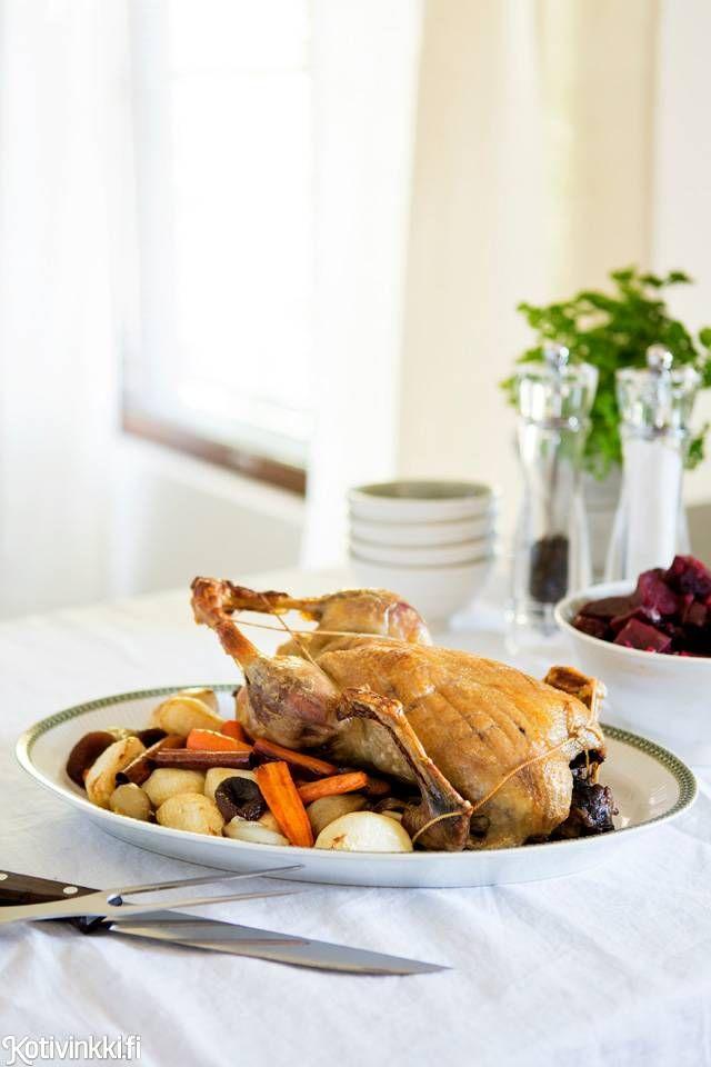 Maukas ja rasvainen paahdettu ankka on kokeilemisen arvoinen joulupöydän ruoka. Resepti on osa huippukokki Henri Alénin joulumenua.