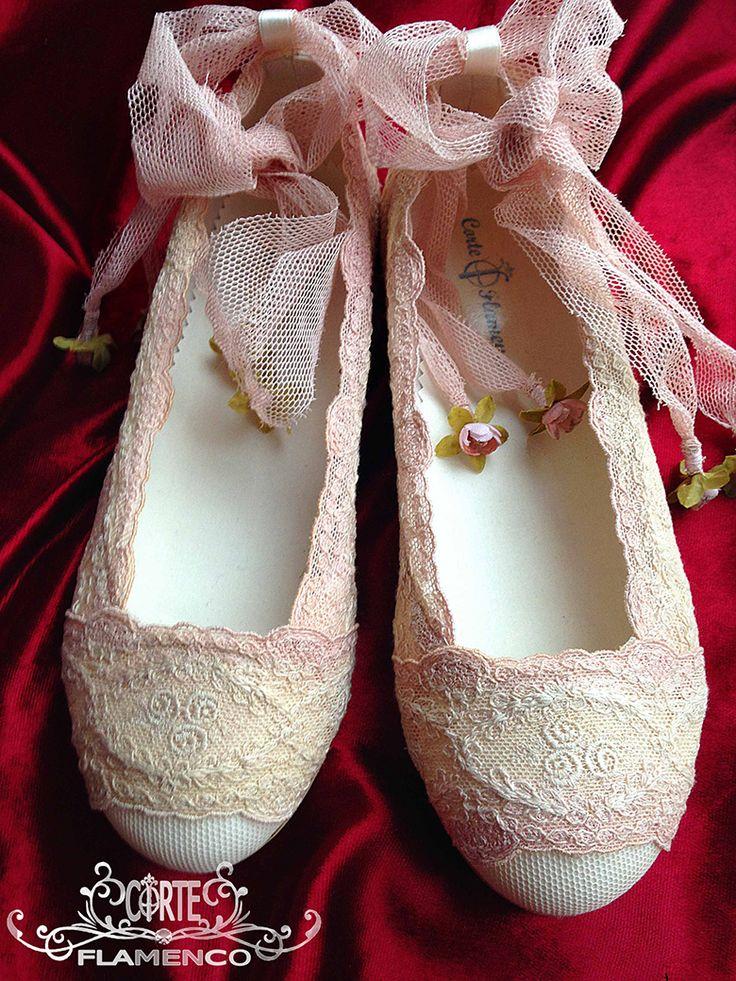 Larrana zapatos de comunion exclusivos , comunion , corte flamenco, bailarinas de comunion, zapatos hechos a medida, sabrinas de comunion, zapatos artesanales,