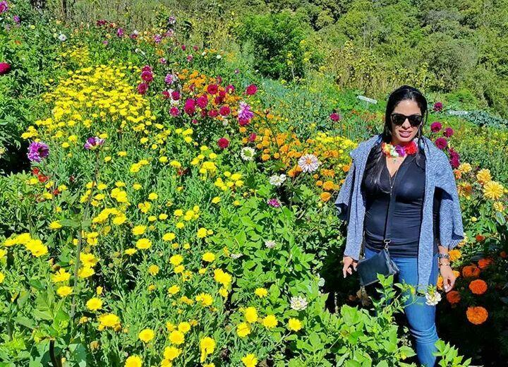 Bella entre las Flores..