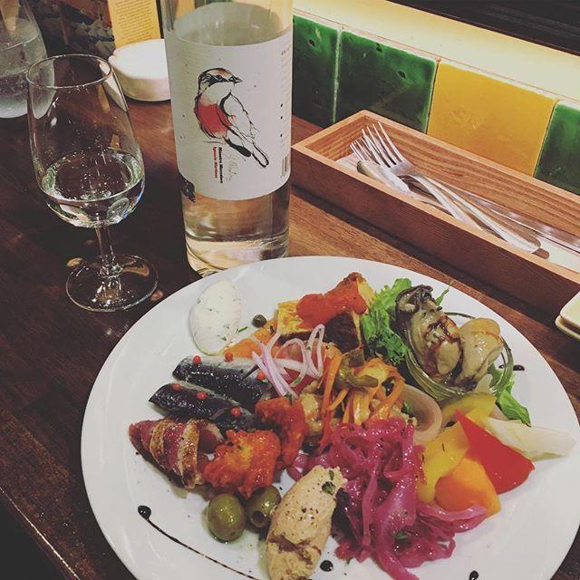 """""""今日は近所でメスカル飲んでます!  #food #foodporn #yum #instafood #yummy #amazing #instagood #photooftheday #sweet #dinner #lunch #breakfast #fresh #tasty #food #delish #delicious #eating #foodpic #foodpics #eat #hungry #foodgasm #hot #foods #メスカル #Mezcal"""" by @campertrip. #capture #pictures #pic #exposure #photos #snapshot #picture #composition #pics #moment #focus #all_shots #color #foto #photograph #fotografia #photographyeveryday #photoart #ig_shutterbugs #photogram #photodaily #instaphotography…"""