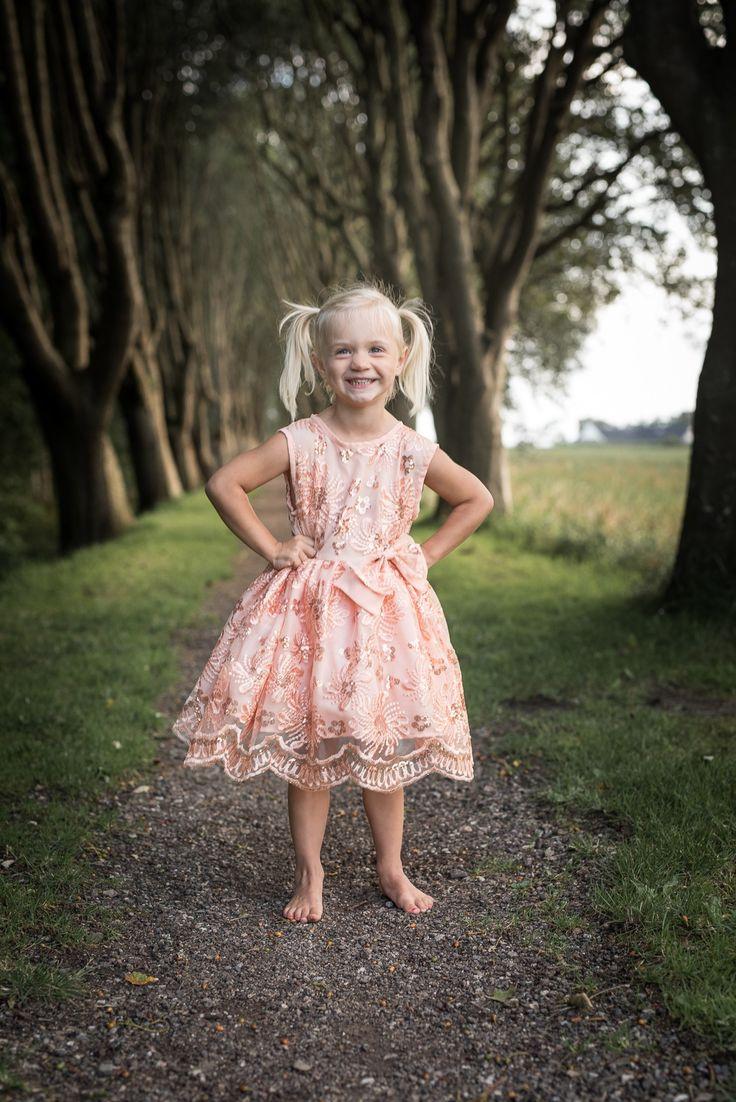 """Just peachy"" Escape the ordinary fra MargretheCouture. Unik kjole som er perfekt til bryllup eller fotografering."