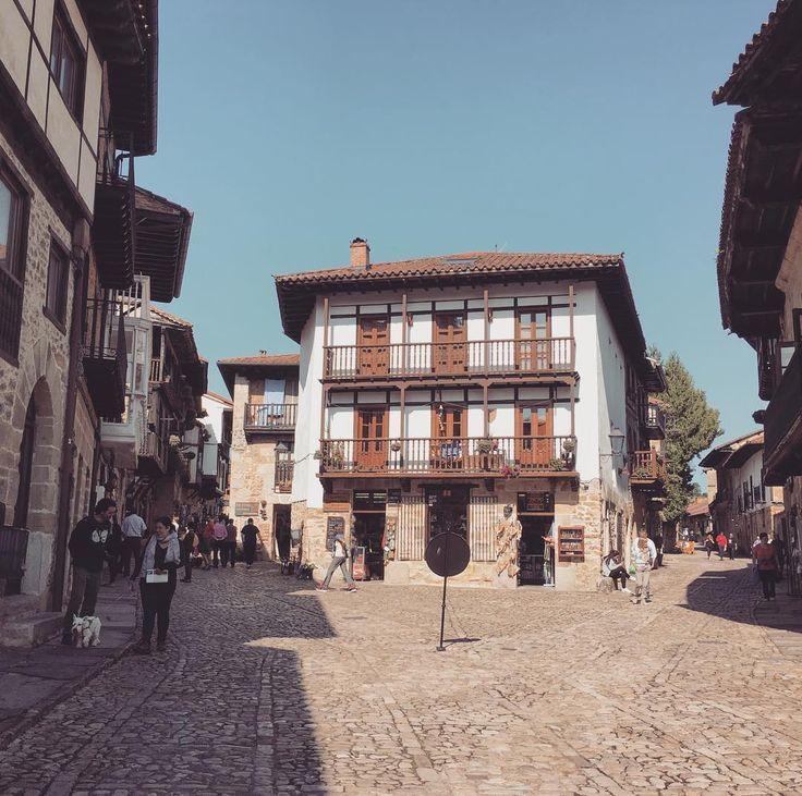 #picturesque #santillanadelmar  love the #architecture #cantabria #spain #roadtrip #travel #travelgram #instatravel #instatraveling #igworldclub