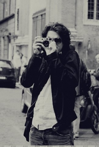 dont necessarily care too much for john mayer but love this piccc