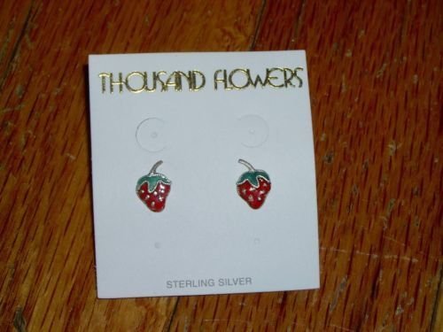 NEW-925-STERLING-SILVER-THOUSAND-FLOWERS-STRAWBERRIES-POST-EARRINGS