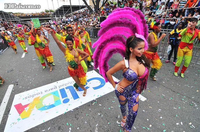 Balance: la Feria de Cali 2012 se pintó de múltiples colores en todos sus desfiles - diario El Pais