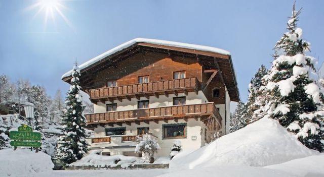Haus Scheibler - #Guesthouses - EUR 80 - #Hotels #Österreich #SanktAntonAmArlberg http://www.justigo.com.de/hotels/austria/sankt-anton-am-arlberg/haus-scheibler_44477.html