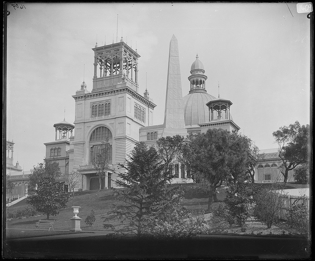 The Garden Palace was built in only eight months to house the Sydney International Exhibition in 1879 in the southwestern end of the Royal Botanic Gardens.
