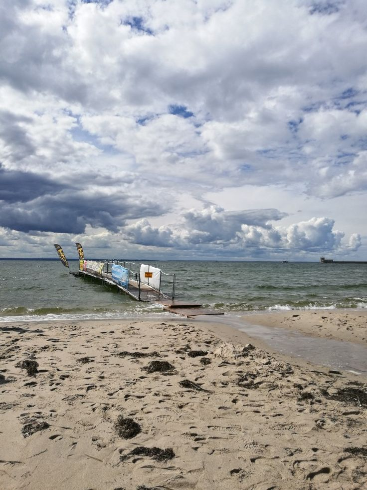 #HelPeninsula #BalticSea #vacation #theskyisblue #waves