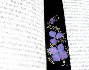 Marcador de piel con flores real presionados por WhiteFlowersDesign