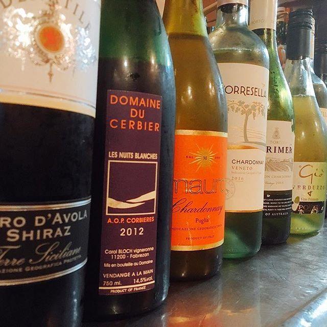 . 明日、イタリアワイン赤白あわせて7種類!グラスで飲み比べできます! 明日だけですので、色んなワイン飲みたい方若しくは酔いたい方若しくはムシャクシャしている方にオススメの内容となっておりますぜしお越しくださいまし🙆 . #オインクオインク #oinkoink #oink #金沢 #kanazawa #長町 #nagamachi #石川県 #肉 #豚肉 #pork #肉会 #せせらぎ通り #豚肉専門店 #片町 #katamachi