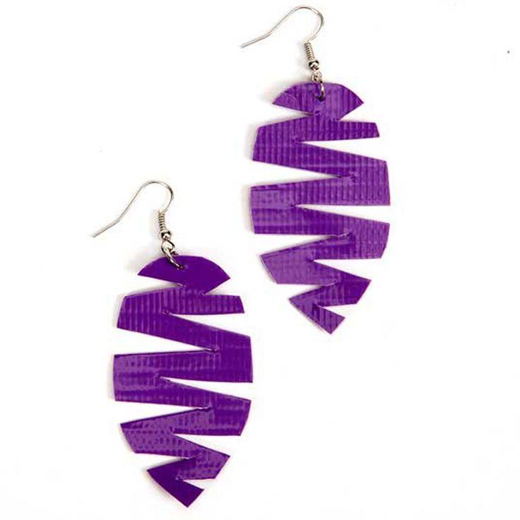 Duck Tape® Feather Earrings #craft #ducktape