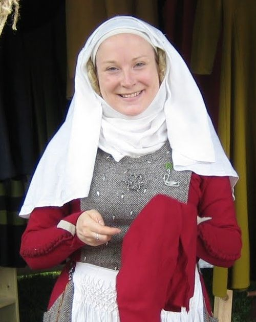 How to make and wear a wimple. Great for medieval wear.
