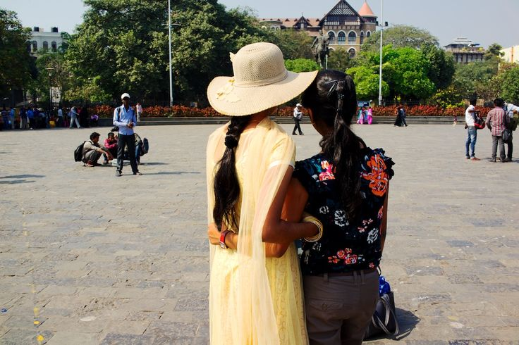 Travelers making memories...