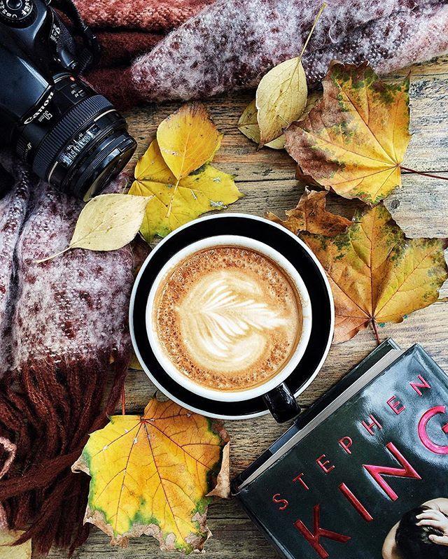 Проснуться пораньше, чтобы перед работой позавтракать с @murzakovaolga, обсудить планы на конец недели, поделиться проблемами и советами, настроить друг друга на отличный день - вот мой рецепт идеального утра☕️ Обожаю нашу новую традицию утренних встреч в середине недели - осень идеальное время для новых ритуалов🍂 #autumn #autumnvibes