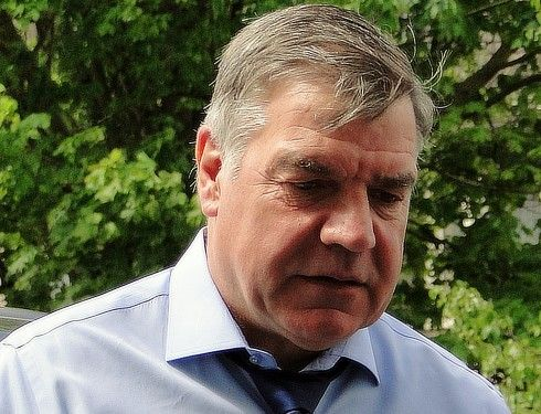 Sacked England football manager Sam Allardyce retreats to villa in Spain :http://www.theolivepress.es/spain-news/2016/10/01/sacked-england-manager-sam-allardyce-retreats-to-villa-in-spain/