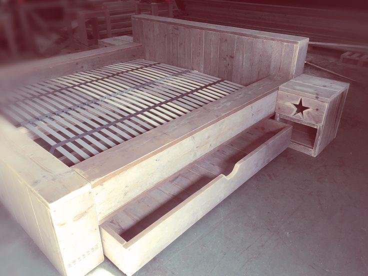 2 persoonsbed steigerhout