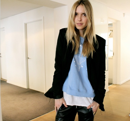 Lovely blogger Pernille Teisbæk from www.LookdePernille.com wearing Stella Nova sweat.