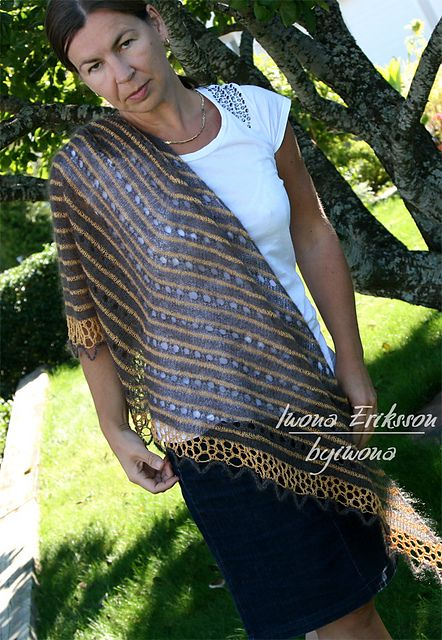 Ravelry: Rayn Shawl - beautiful shawl pattern by Iwona Eriksson. Shawl is knitted in silk yarn #shawl #pattern #design #knitityourself #byiwona