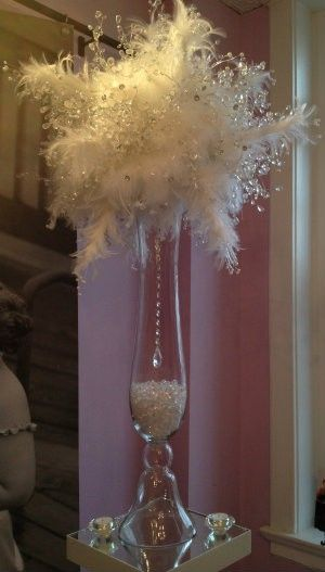 ❤Remember the strand of beads with the prism at the bottom when using cases❤Crystal Feather Centerpiece crystal bouquets: great for a snowball or winter themed event