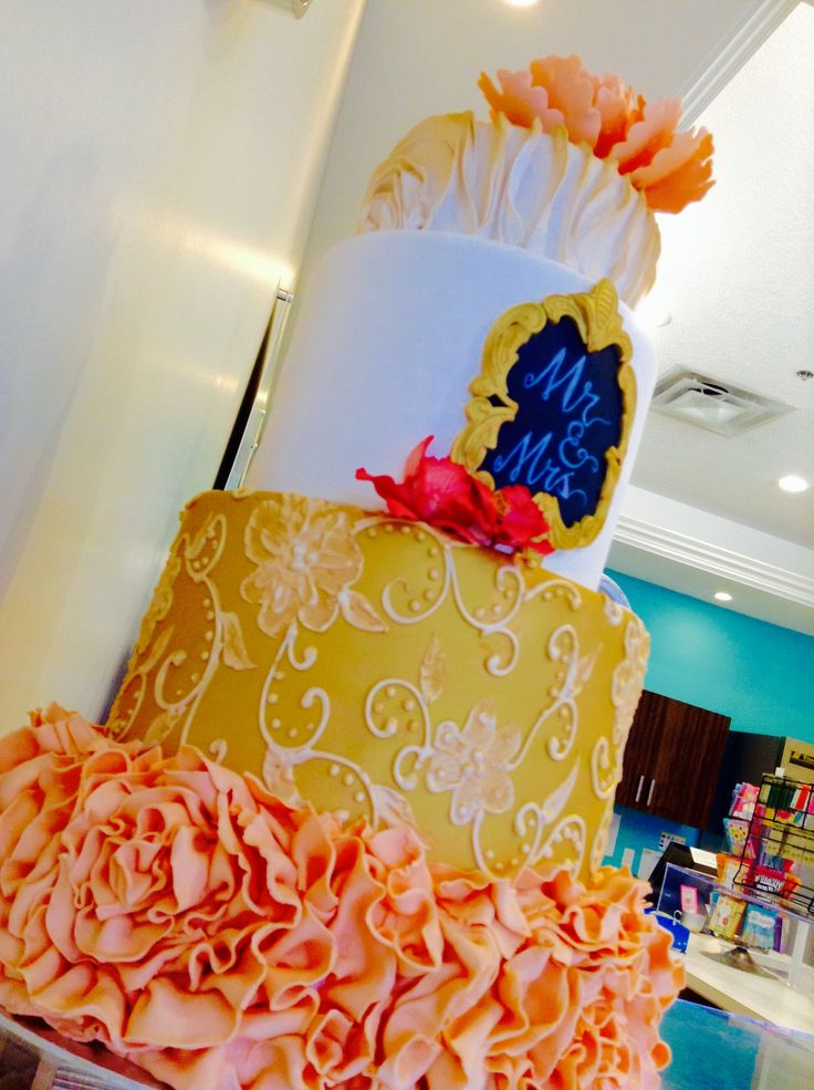 Another cake that is just gorgeous!!!!!!
