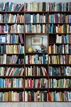 Full Bookshelves Hearts