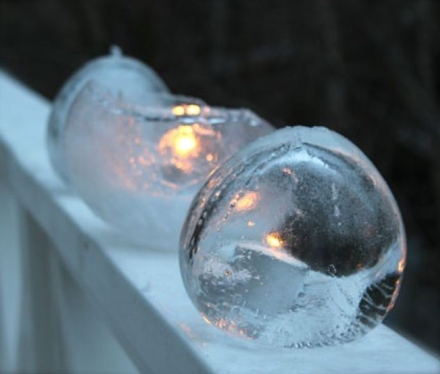 DIY: Frozen Ice Candle Holders Gardenista  Fill balloons with water, partially freeze, then peel off the latex. For materials, see below; for step-by-step instructions, see Willowday.  Fill a 12-inch balloon with water, blow in a puff of air and tie a knot.