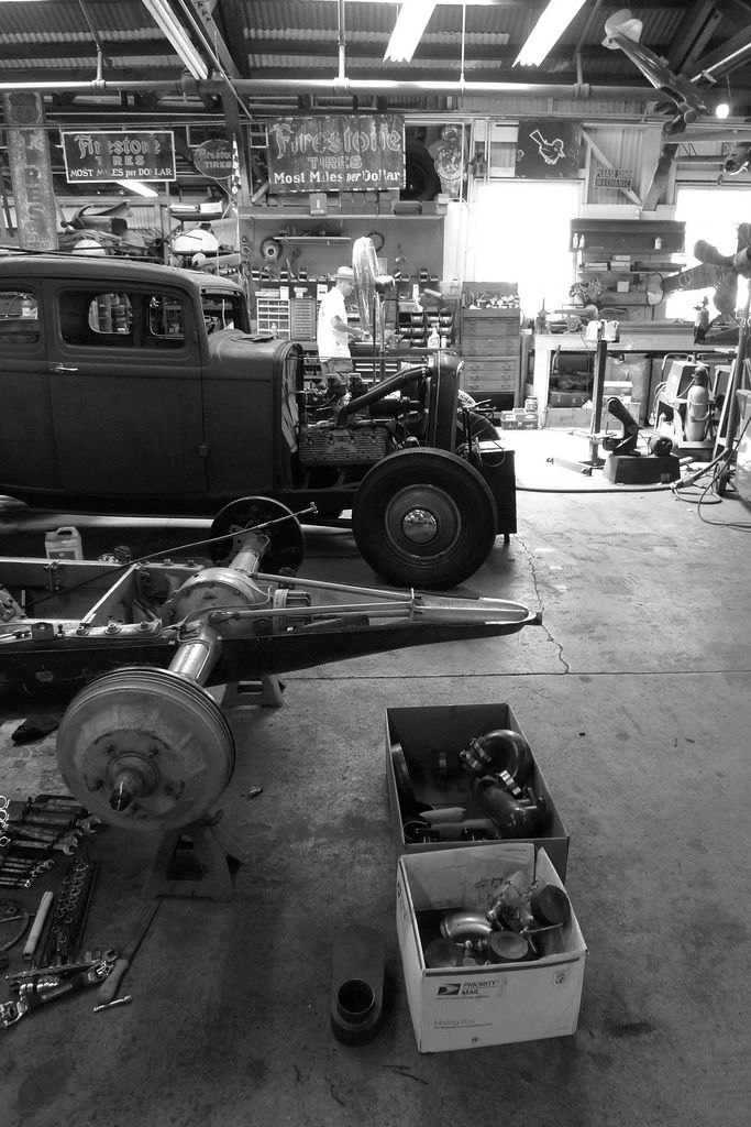 Proper garage. #HotRod #Custom #Classic #Style #Design #Cool