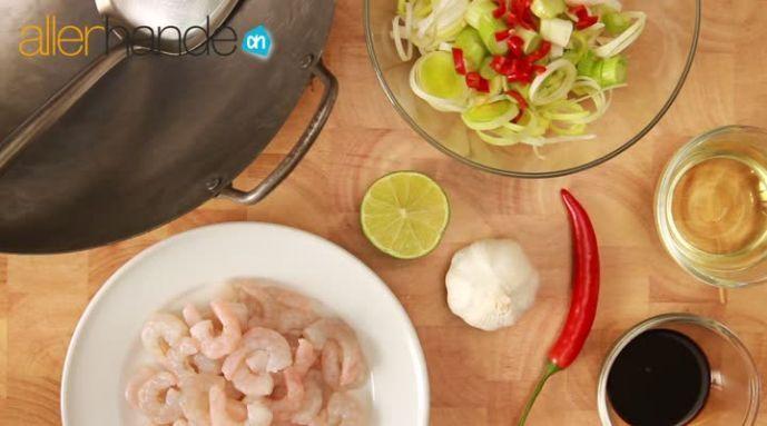 Kijk wat een handige video op Allerhande! Roerbakken / wokken