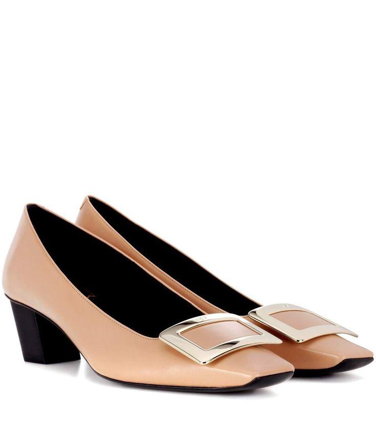 ROGER VIVIER Décolleté Belle Vivier Leather Pumps. #rogervivier #shoes #pumps
