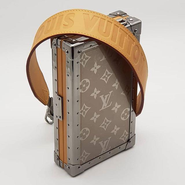 e29df4e4 Rare!!! $18800 wire. New Louis Vuitton Monogram Titanium Wallet ...