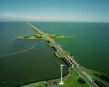 This is how the Afsluitdijk looks today; the former Zuiderzee is to the right, the Waddenzee to the left.