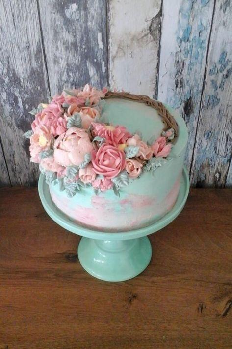 Buttercream flowers for Grandma by Daria #cakedesigns