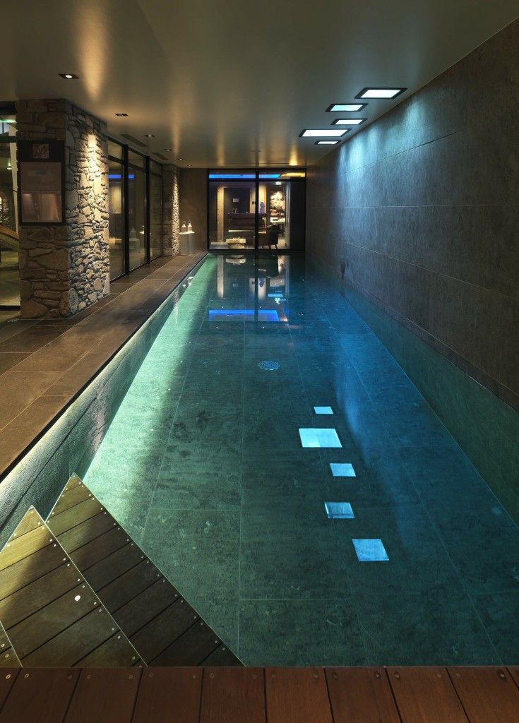 M Megeve pool and spa designed by Cinq Mondes M de Megeve the newest 5* hotel situated in the center of Megeve in the french alps.  This terrific brand new luxury and contemporary hotel is exclusively on a private sale on www.suite-privee.com, the private travel club selling luxury hotels at preferential rates. Book your stay on Suite-Privee and benefit up to 30% discount on your stay in a Suite Deluxe !
