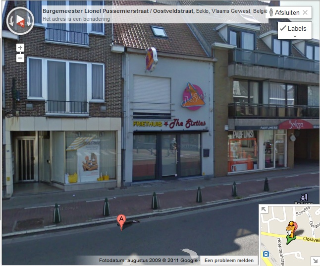 Manneke met frietzak op Street View!