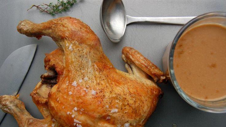 Helstegt kylling med sauce