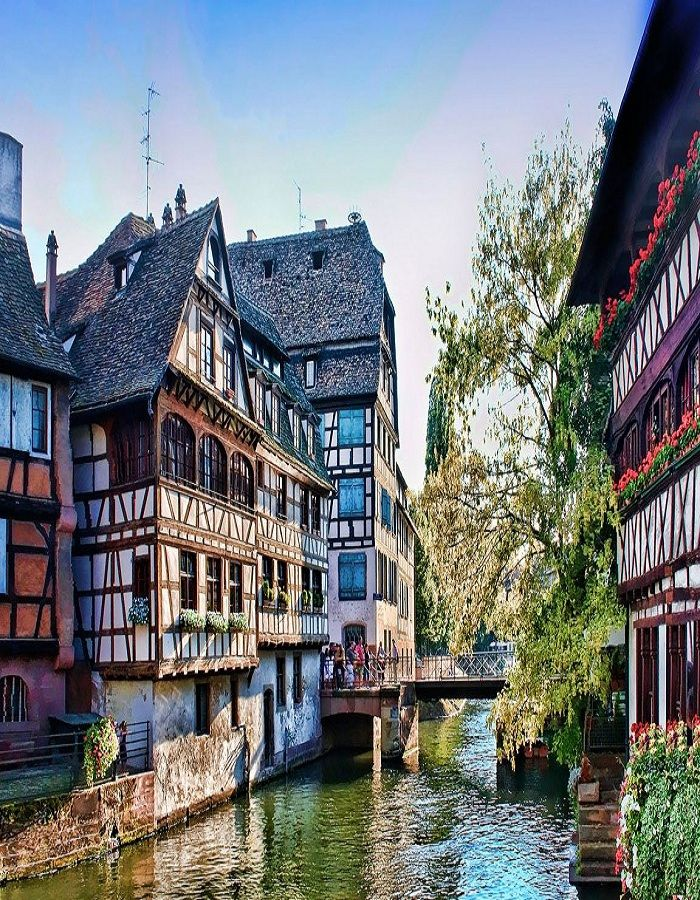 #PetiteFrance is a historic quarter of the city of Strasbourg in eastern #France. It is a charming area of Strasbourg that visitors shouldn't miss. Learn more about the #beautiful places in France by checking out the Travel section of Talkinfrench.com https://www.talkinfrench.com/tag/french-tourism/