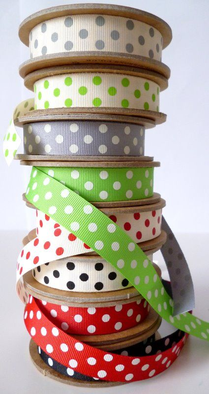 I love it! I think I'm addicted to Polka Dots too ;)