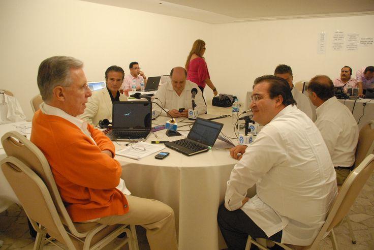 Duarte de Ochoa reiteró el respaldo de su administración a todos los esfuerzos para que Pemex se mantenga como empresa emblemática y su riqueza se refleje en una mejor calidad de vida de los veracruzanos y de todos los mexicanos.